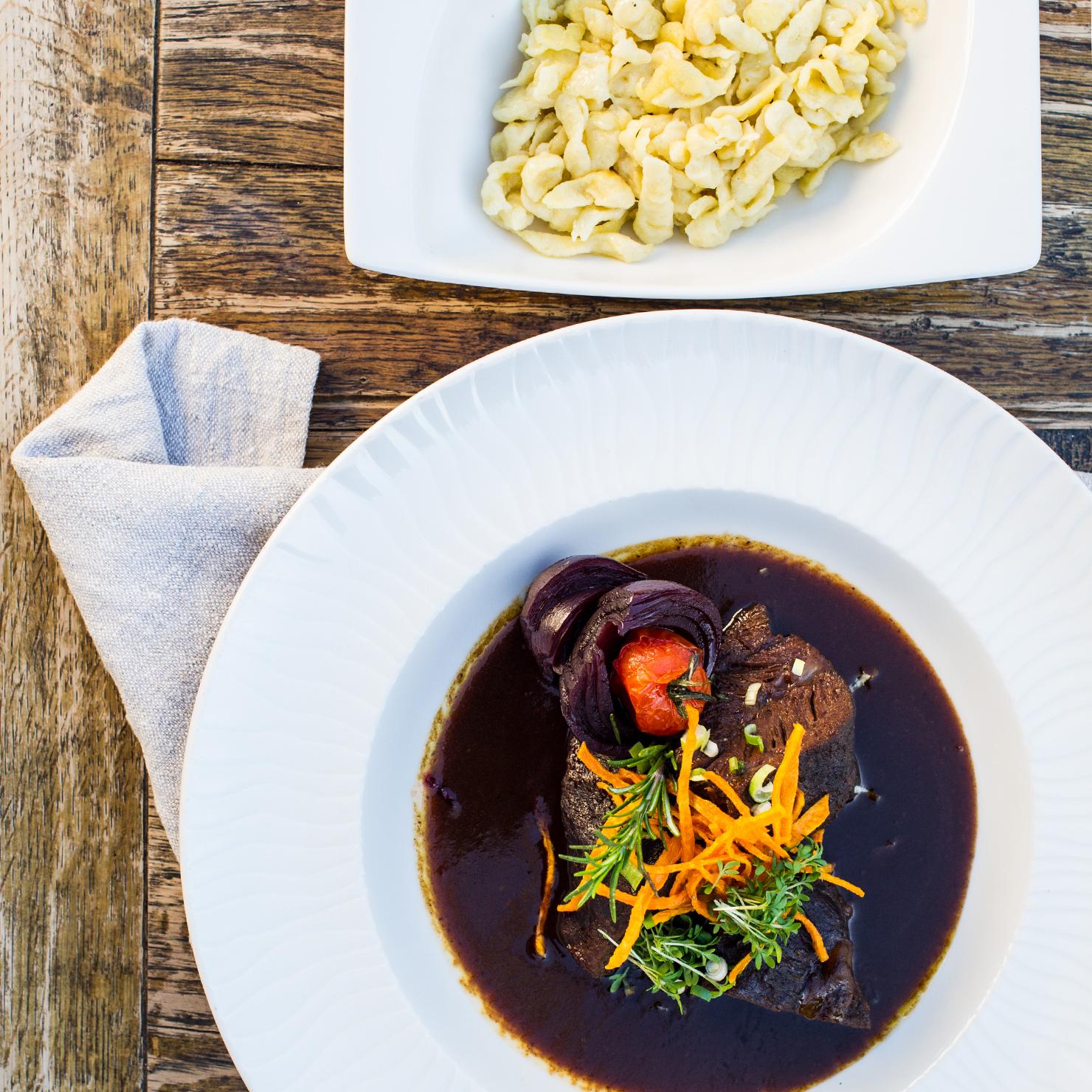 Garmischer Hof Speisekarte Fleisch mit Spätzle