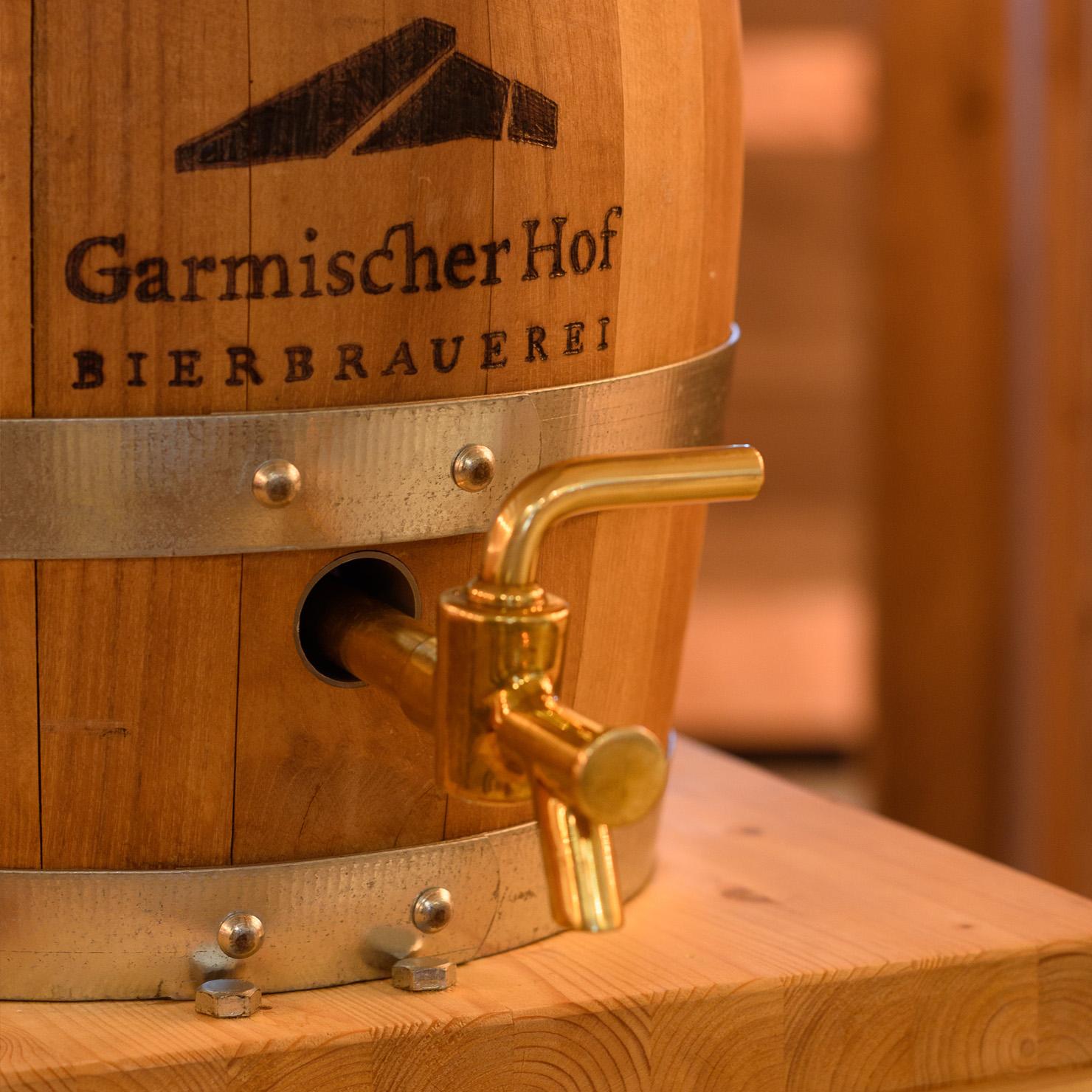 Garmischer Hof Bierbrauerei Getränkekarte Bierfass