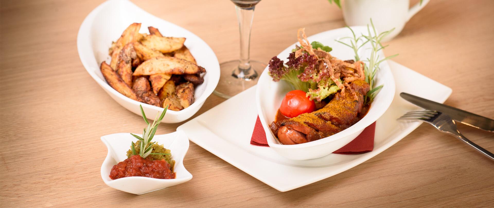 Garmischer Hof Speisen Currywurst
